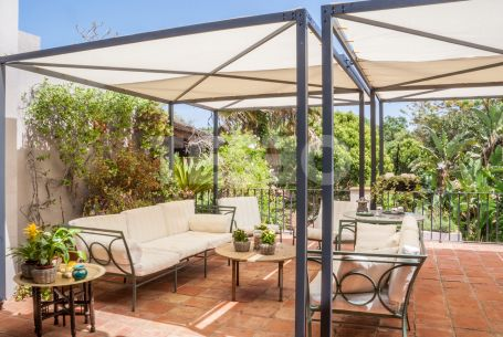 Charming Villa surrounded by a forest in Sotogrande Costa