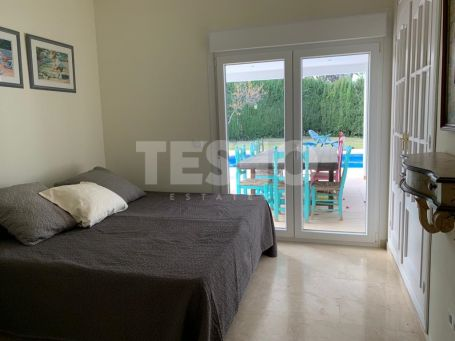 Cosy villa in Sotogrande B zone.