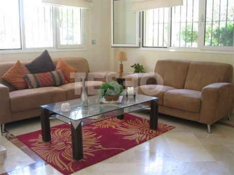 Stunning Town House in San Roque Club