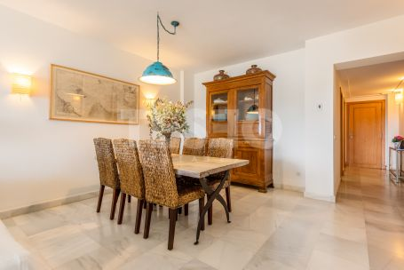 Apartment in El Polo with views to the river.