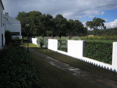 Spacious groundfloor with Patio in Casas Cortijos Urbanization