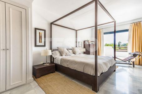 Large penthouse in 'El Polo' Urbanization