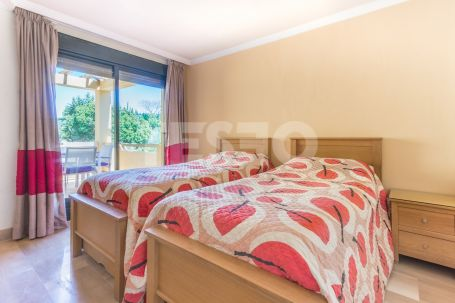 Spacious 2 bedroom apartment with stunning views.