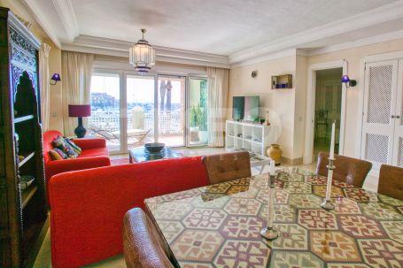 Spacious apartment with amazing sea views in Ribera del Guramí