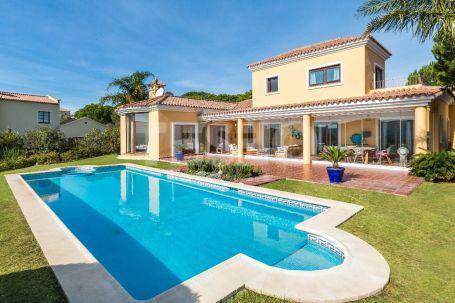 Estupenda casa familiar con vistas al lago y al campo de golf Almenara.
