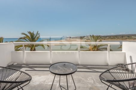 Wonderful apartment situated in one of the most sought after areas in Sotogrande, the Guadiaro River.