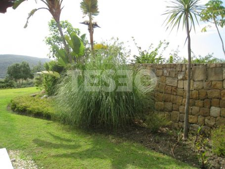 Large Ground Floor with a lovely garden in San Roque Golf Club