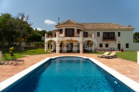 Lovely South Facing Villa for sale or rental in the C zone of Sotogrande Alto.
