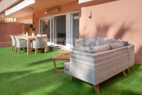 Spectacular open plan groundfloor for rent, just 50 meters away from the beach and the beach club