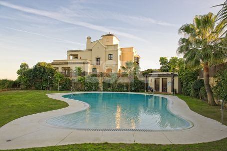 Villa for sale in Los Cortijos de la Reserva