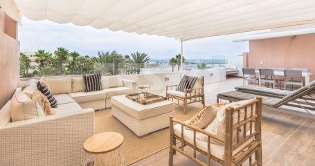 Modern duplex penthouse on the beach front