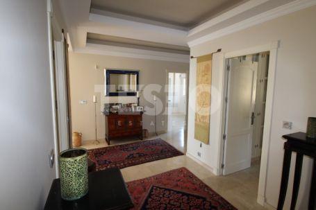 Duplex en venta con orientación sur y magníficas vistas en San Roque Club