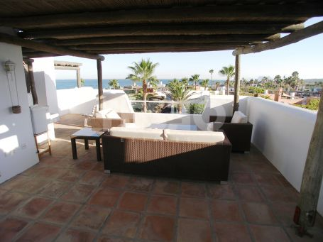 Unique Semi-detached house for sale with excellent location on the beach and with sea views