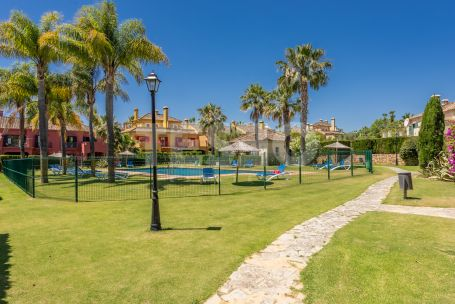 Spectacular Townhouse for Rent in Sotogrande Costa