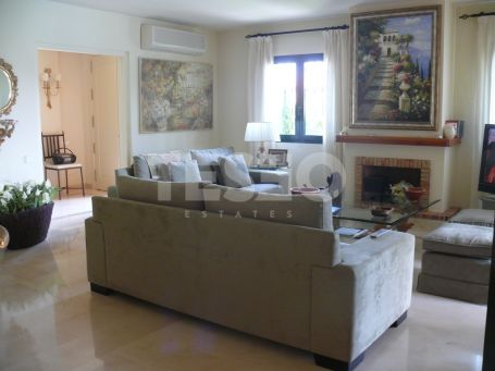 Semidetached for sale in the exclusive complex of Sotogolf