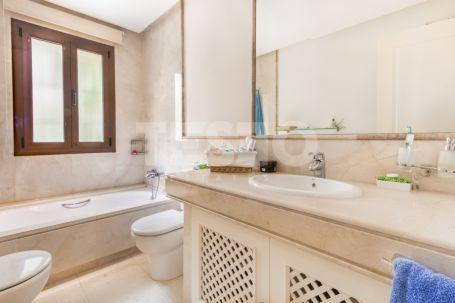 Exclusive furnished 3 bedroom apartment in Valgrande