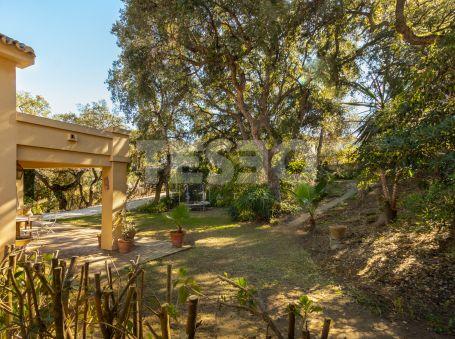 Charmy Villa in Zona C, Sotogrande