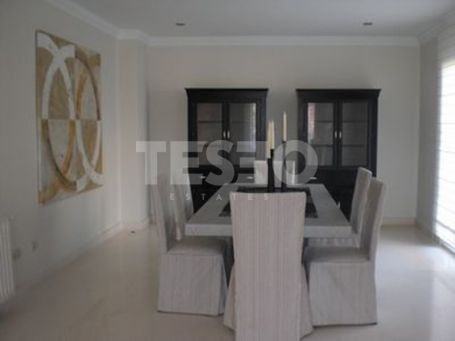 Villa with south orientation and nice Golf Views in a quite cul de sac
