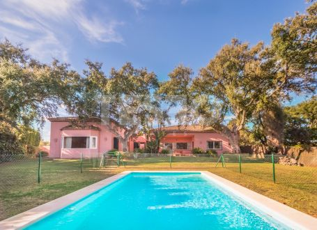 Villa for sale in a cork forest and near the beach