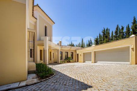 Stunning Villa in Los Altos de Valderrama