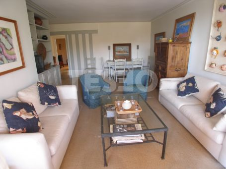 Apartment for sale with nice sea views