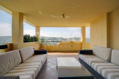 Apartment in Los Gazules with unique Golf Views