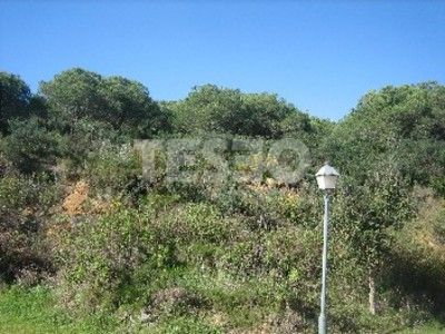 Plot for sale in Granada road. It offers Sea and Golf views