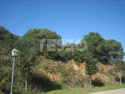 Plot for sale in calle Granada with spectacular sea and golf views