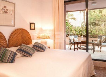 Spacious Groundfloor apartment in Catamaran Beach in Sotogrande Playa