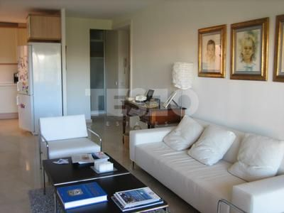 Apartment for Sale in Paseo del Mar.