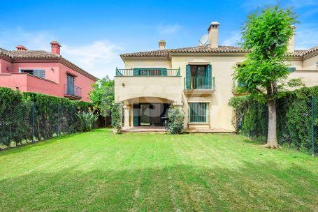 "Beautiful townhouse in ""El Casar"""