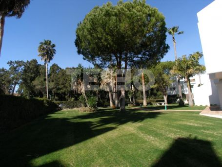 Apartment in 'El Polo' Urbanization