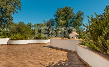 Villa in quite area of C zone in Sotogrande Alto