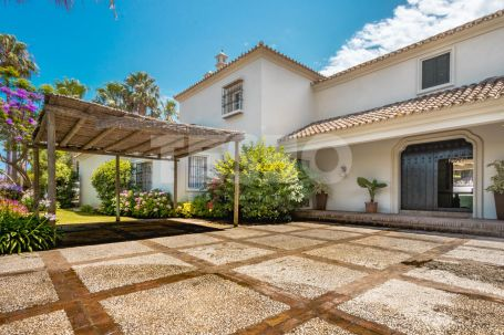 Colonial Style villa with South Orientation at Costa