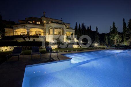 Hermosa villa con impresionantes vistas.