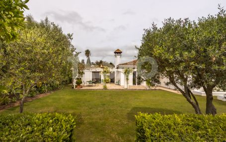 Cosy Andalucian Style Villa for sale in Zona A, Sotogrande