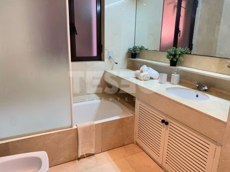 Exclusive apartment for sale in Paseo del Mar