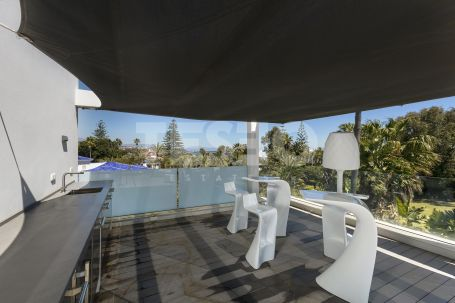 Villa en venta en Kings & Queens, Sotogrande