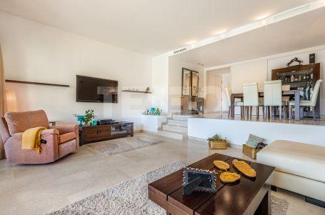 Spacious Duplex for sale in Isla del Pez Barbero, Sotogrande