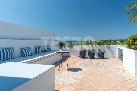 Duplex with amazing views and large terrace for rent in Paseo del Río, Sotogrande