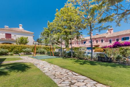 Town House for sale in El Casar Floresta, Sotogrande
