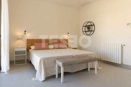 New modern Villa for rent in F zone.
