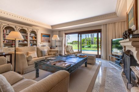 Unique villa overlooking the Royal Golf Course Sotogrande