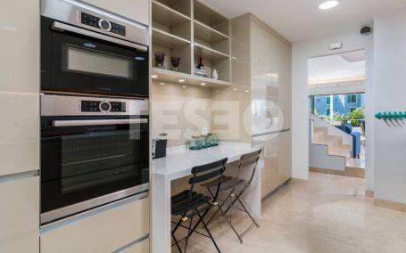 Duplex Penthouse for sale in Isla del Pez Barbero, Sotogrande