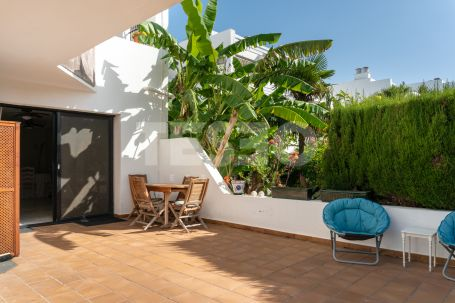 Lovely ground floor apartment with a large private garden.