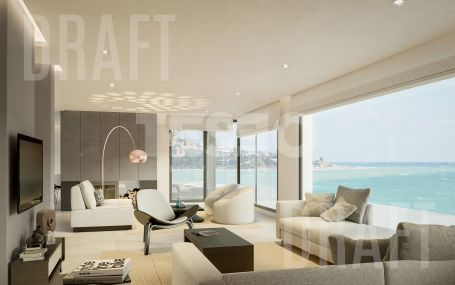 Spectacular opportunity for a reform project for a house on the Mediterranean Sea