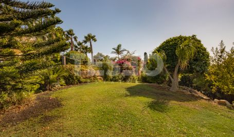Villa in Torreguadiaro with great sea views