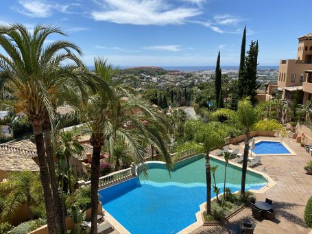 Spectacular open views to the sea and Golf Valley!
