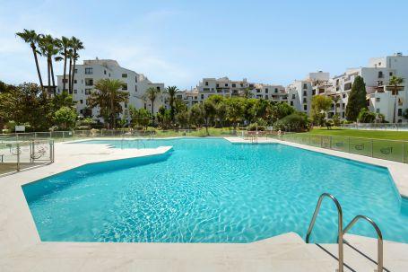 Fantastic Refurbished Apartment in Jardines del Puerto, Puerto Banus - Marbella