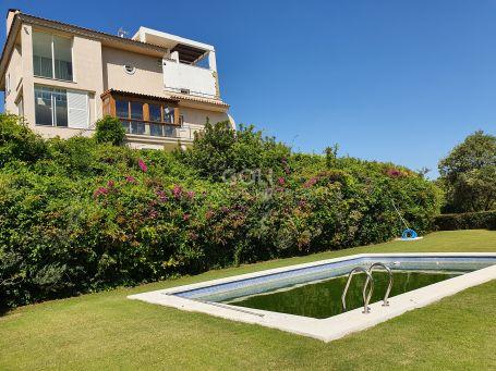 Special villa on a quiet zone